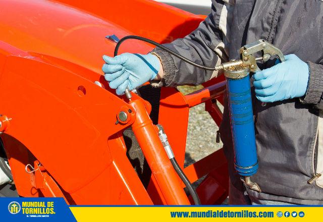 Las graseras de lubricación funcionan como una gran protección contra la entrada de polvo y partículas extrañas.