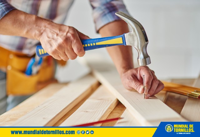 Tipos de martillo y sus diferentes usos como herramienta